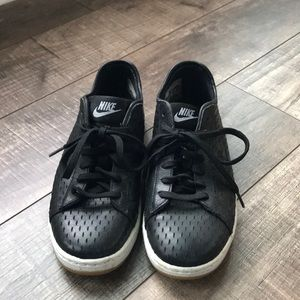 Nike shoes - perfect for ripped jeans or shorts!